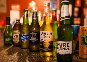 Our fully licensed bar on level 4 offers a variety of alcoholic and non-alcoholic beverages.